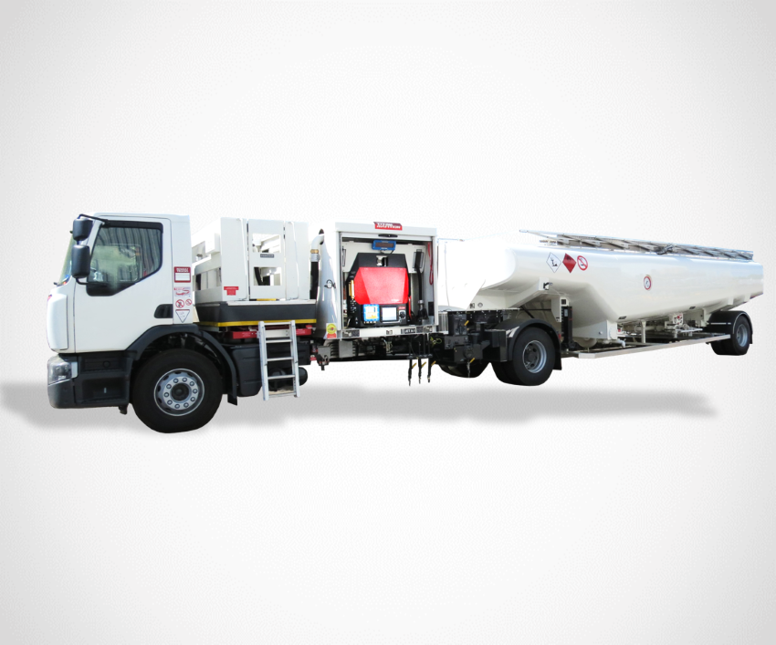 Semi trailer refueller with ez control