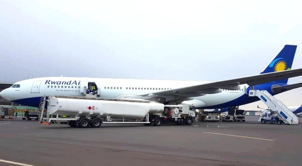 aircraft refueller STR65 titan